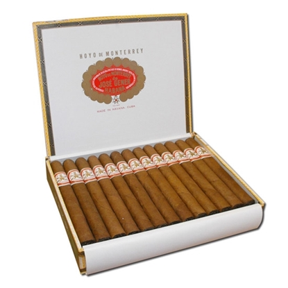 hoyo de monterrey churchill cigars tax free on sale